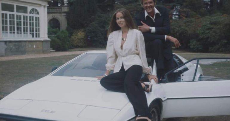 """اشتريا سيارة """"لوتس اسبريت"""" بـ200 دولار وماسك أخذها بمليون"""