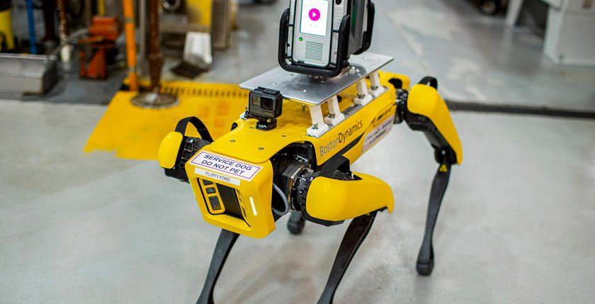فورد – روبوتات- مراقبة المصانع