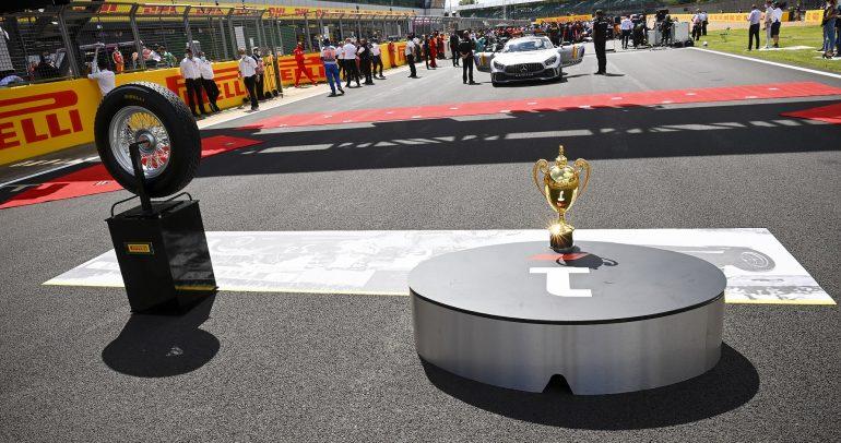 إطارات ستيلا بيانكا من بيريللي تعود إلى حلبات فورمولا 1 في سيلفرستون