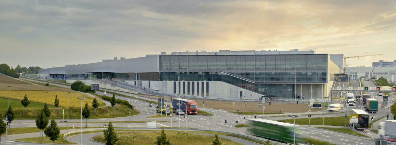مصنع مرسيدس بنز الجديد 56