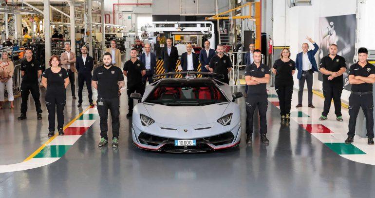 لامبورغيني أفينتادور إس تصل لمبيعات 10 ألاف سيارة لأول مرة