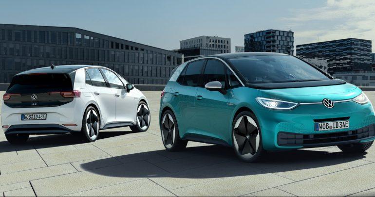 فولكس واجن تخطط لإنتاج 1.5 مليون سيارة كهربائية لمنافسة تيسلا