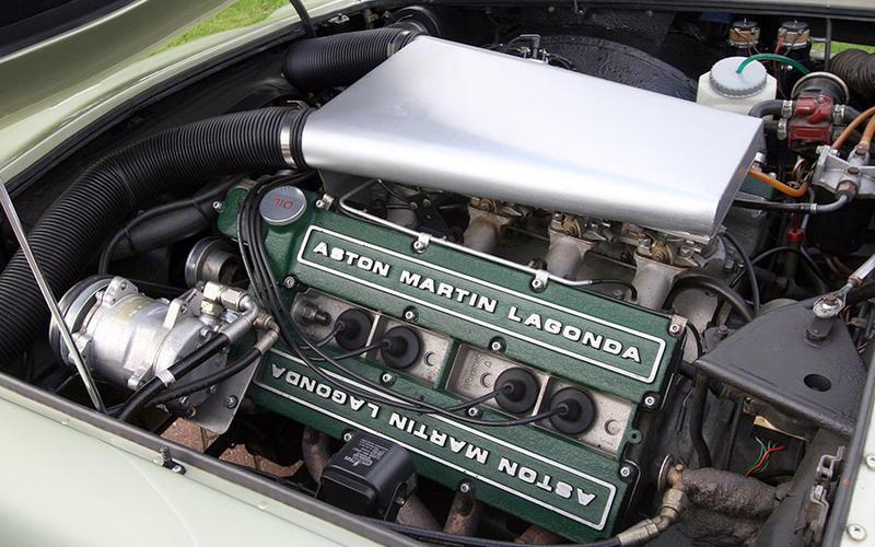 أستون مارتن V8 (1969)