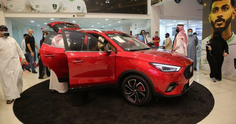 MG ZST الجديدة تشكّل قلب المجموعة المعزَّزة من مركبات الكروس أوفر  لدى العلامة التجارية