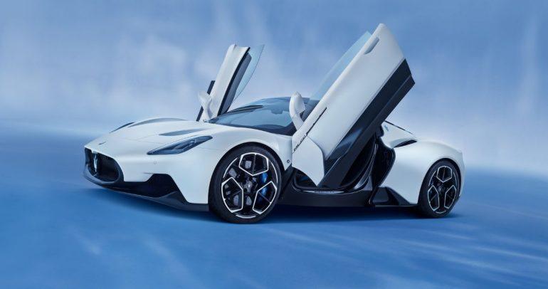 مازيراتي تزود سيارتها الخارقة MC20 بإطارات بوتنزا الحصرية من بريجستون