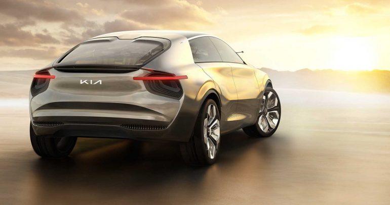كيا تعيد إطلاق علامتها التجارية مع شعار جديد و11 سيارة كهربائية