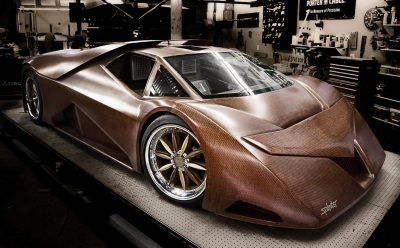 سيارة خشبية خارقة