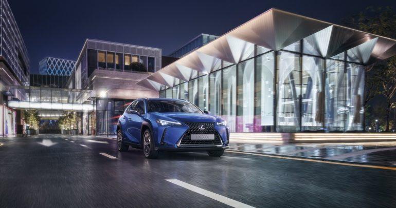 لكزس تقدم تجربة إستثنائية وحلول متكاملة لسيارتها الكهربائية UX 300e