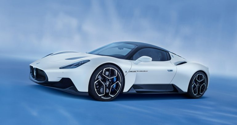 مازيراتي إم سي 20 تفوز بجائزة أفضل سيارة أداء في الصين