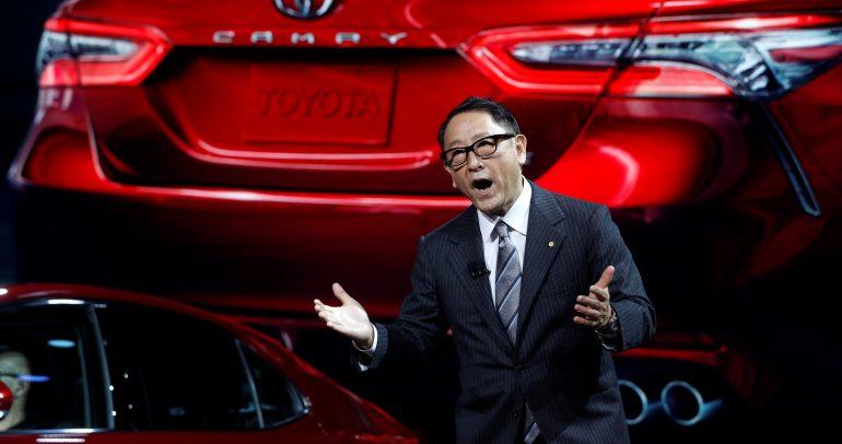 رئيس تويوتا: شركة تيسلا كالطاهي الذي يمتلك الوصفات فقط
