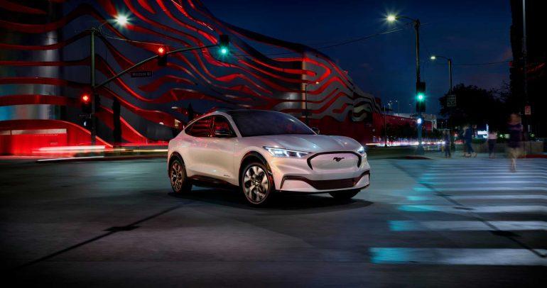فورد تخطط لاقتحام سوق السيارات الكهربائية بطرز رخيصة السعر