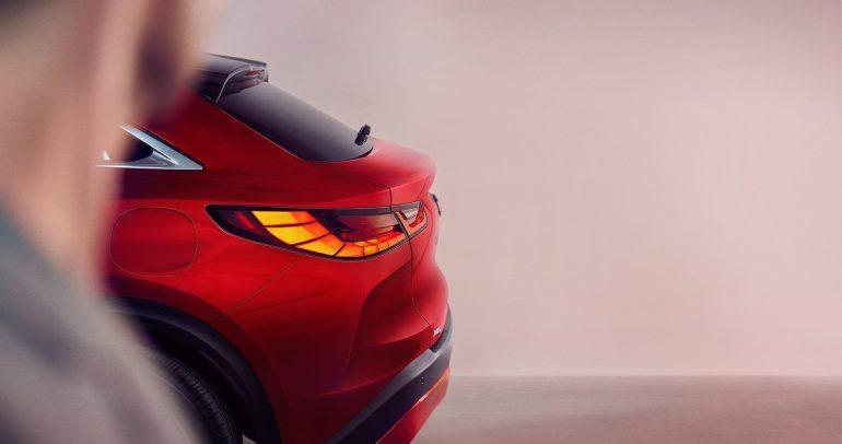 """إنفينيتي تستعد لإطلاق سيارتها الجديدة QX55""""كروس أوفر"""" في 17 نوفمبر"""