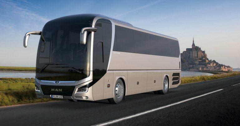 """مان للشاحنات والحافلات تسلم 80 حافلة """"ليون"""" جديدة في المملكة"""