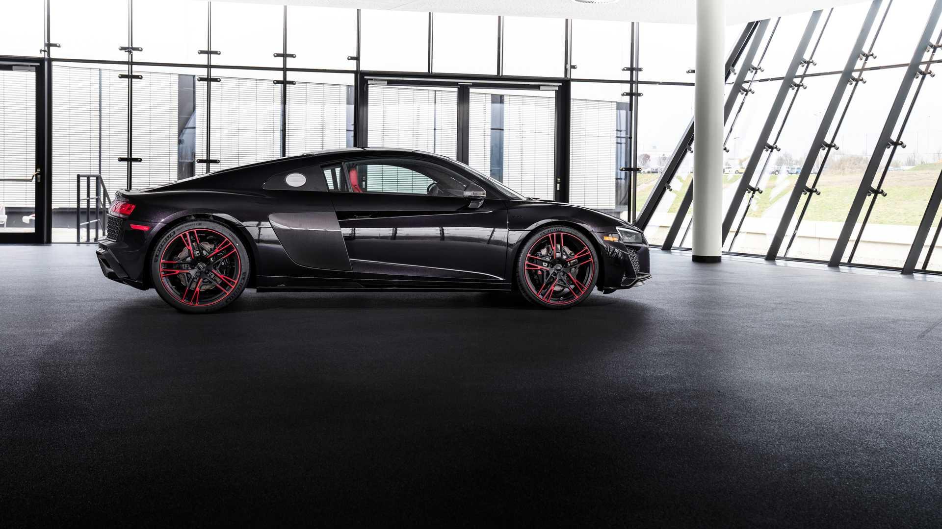 أودي R8 RWD Panther Edition