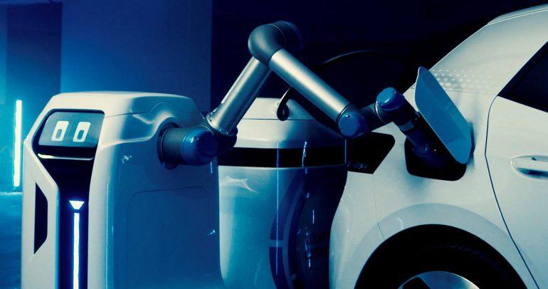 فولكس واغن تصنع روبوت للمساعدة في شحن السيارات الكهربائية
