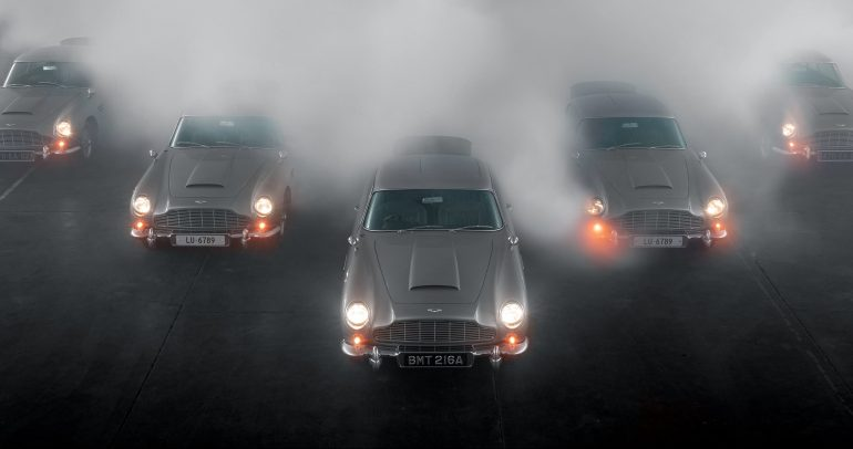جلسة تصوير تاريخية للنسخة الجديدة من سيارات أستون مارتن دي بي 5 جولدفينجر
