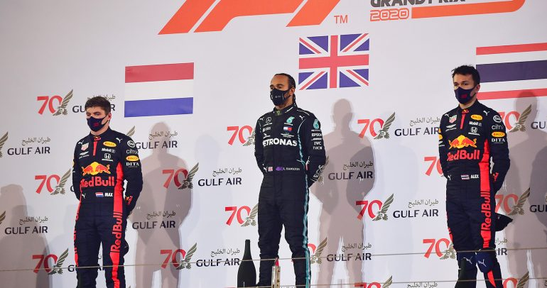 هوندا تحقق صعوداً مزدوجاً إلى منصة التتويج في سباق الفورمولا 1 بالبحرين