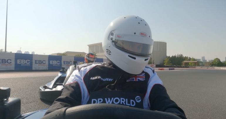 """بالفيديو: """"السباق عبر دبي"""" بين اثنين من أبرز الرياضيين في العالم"""