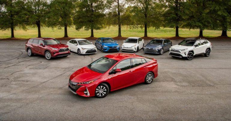 رئيس تويوتا: حظر محركات الاحتراق الداخلي سيدهور صناعة السيارات