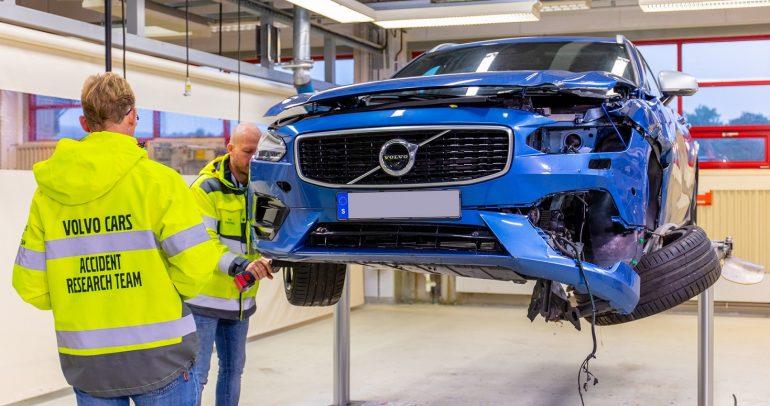 المشروعات التجارية -فولفو تحتفل بمرور 20 عاماً على تأسيس مركز سلامة السيارات