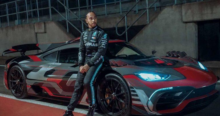 هاميلتون يقود حملة مرسيدس التشويقية لسيارتها الخارقة AMG One