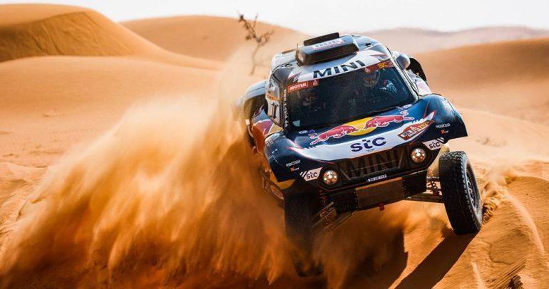 رالي داكار 2021: كارلوس ساينز ينتزع صدارة الجولة السادسة في فئة السيارات