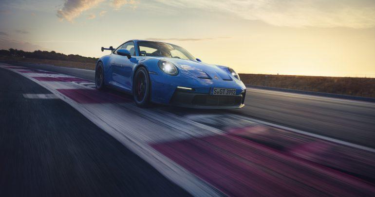 بورشه تطلق سيارة 911 GT3 الجديدة