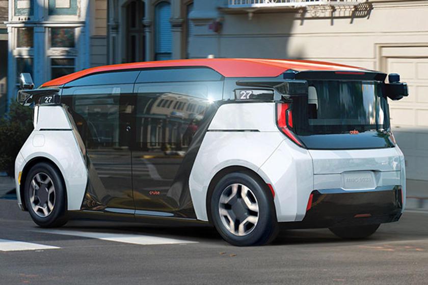 دبي - مركبات كروز الألية للتنقل الذاتي