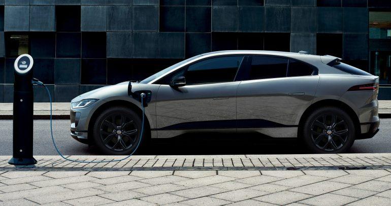 بالصور : إطلاق سيارة جاكوار I-PACE Black الجديدة