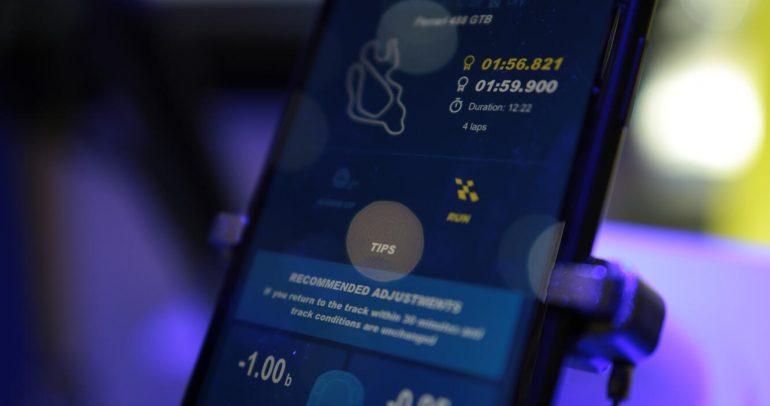 ميشلان تطلق تطبيقاً ذكياً يعمل على توجيه السائق أثناء القيادة