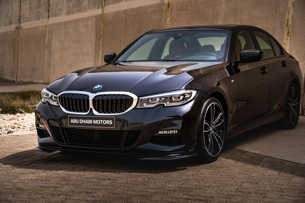 سيارة BMW 330i