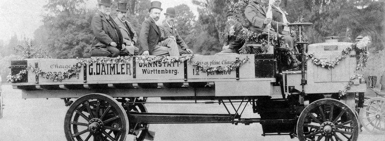 أول شاحنة في العالم من إنتاج دايملر