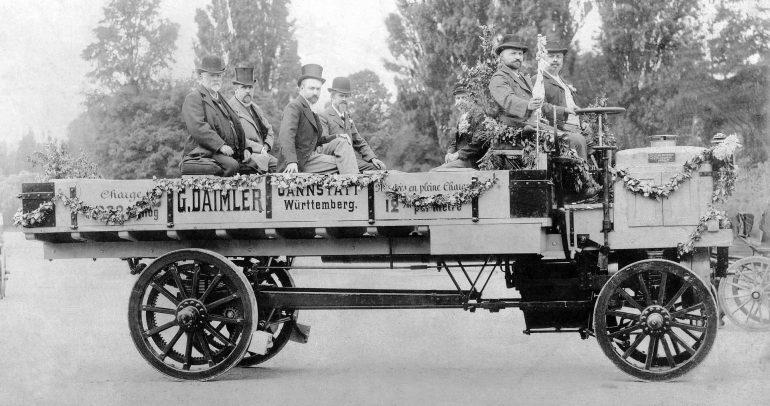مرسيدس بنز: هذه أول شاحنة في العالم من إنتاج دايملر عام 1896