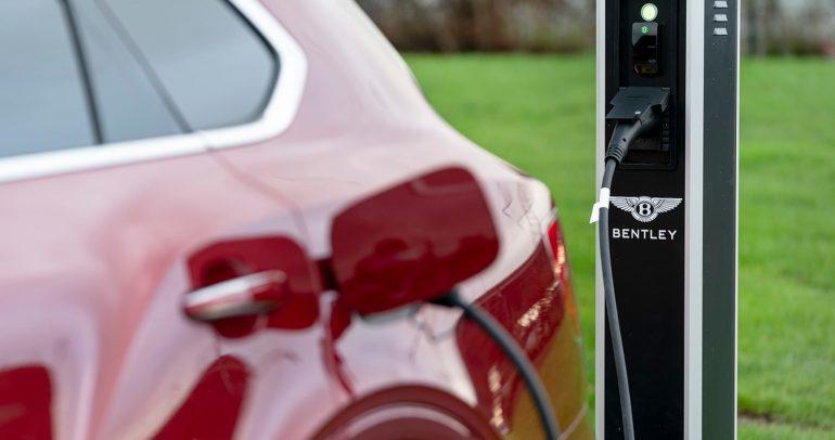 أول سيارة كهربائية من بنتلي تعتمد على منصة أرتميس الخاصة بفولكس واغن
