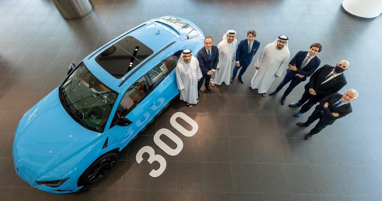 لامبورغيني تحتفل ببيع مركبتها 'أوروس' الرقم 300 في الإمارات