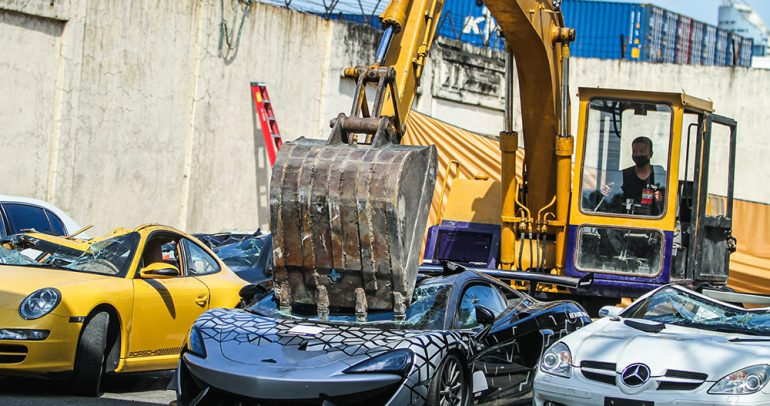 لماذا دمرت الفلبين سيارات فاخرة بقيمة 1.2مليون دولار؟