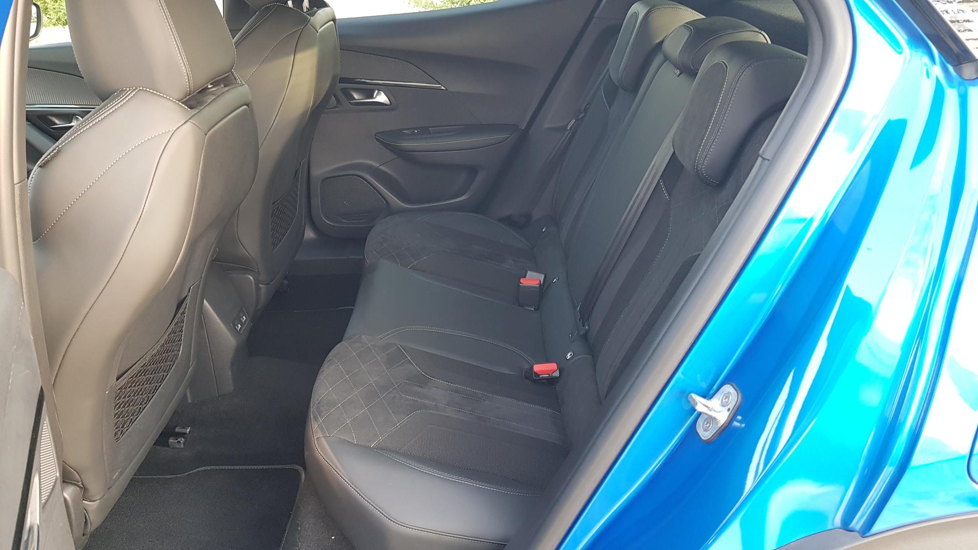 بيجو 2008 SUV