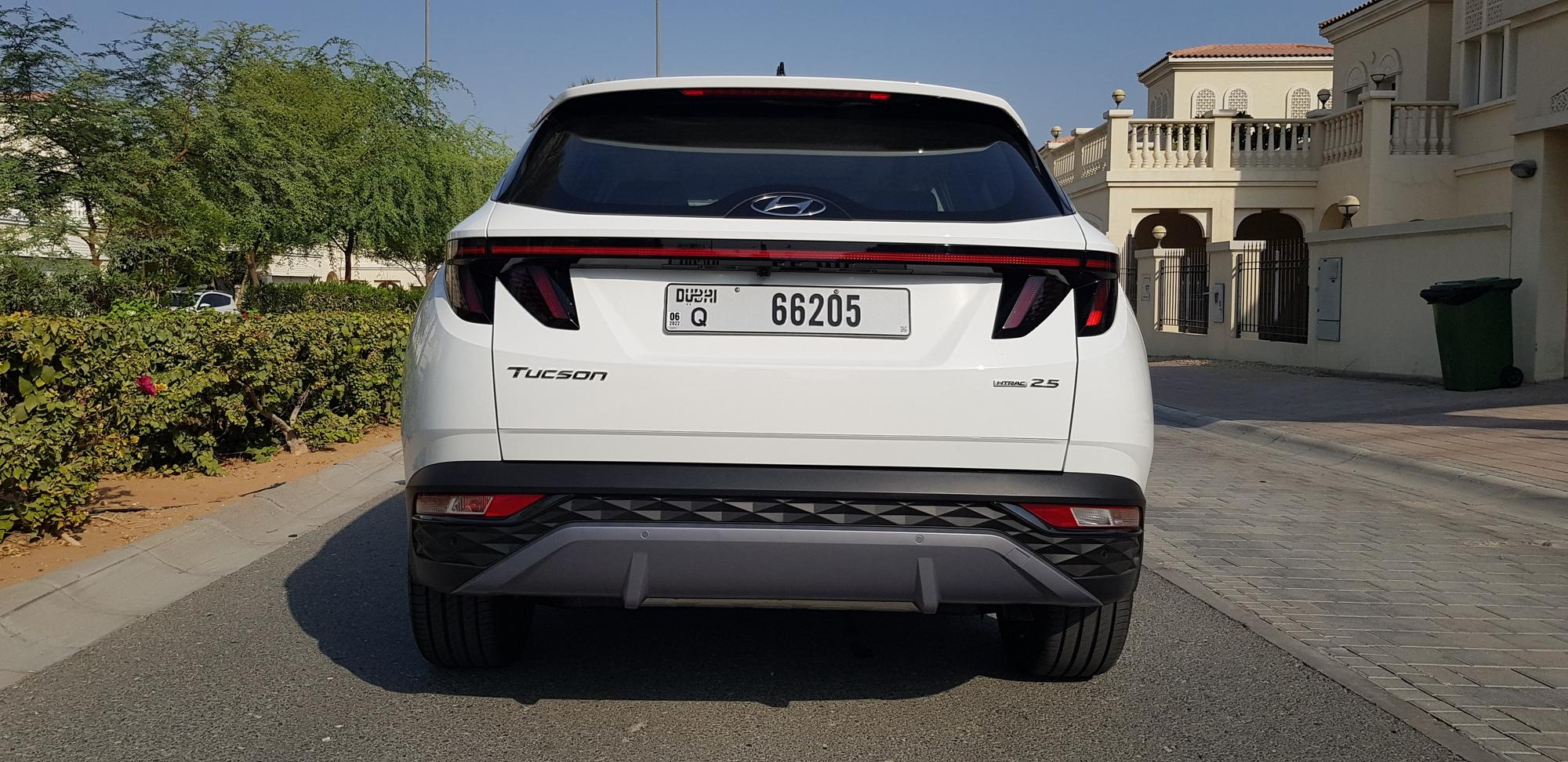 بالفيديو والصور: تعرفوا على مزايا سيارة هيونداي توسان بتصميمها الرائع لعام 2022