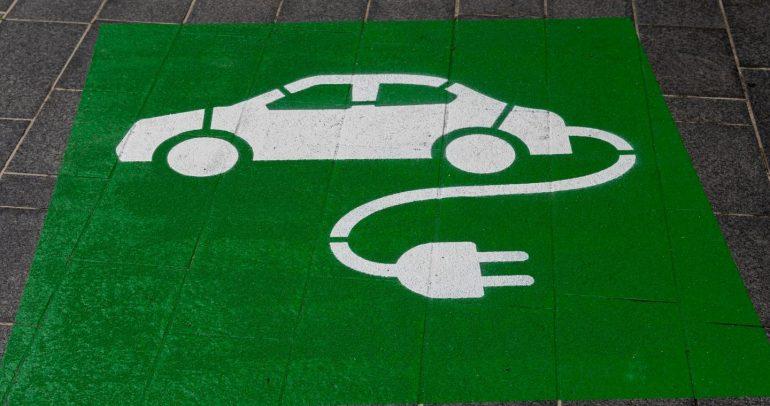 """""""الموانئ الكويتية"""" تتجه نحو بناء أول مدينة للسيارات الكهربائية في الشرق الأوسط"""