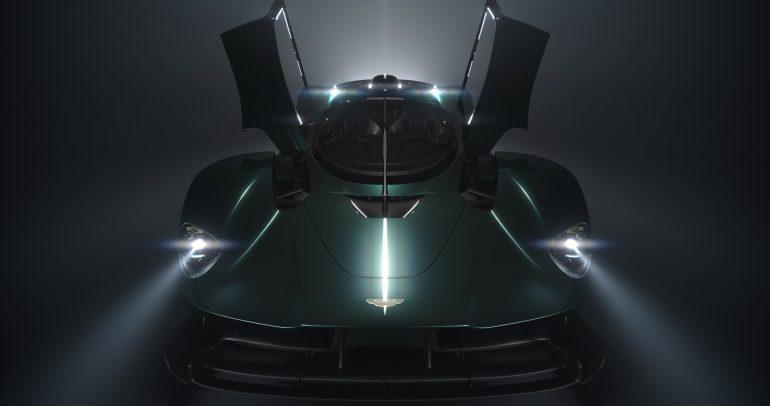 أستون مارتن تحتفل بالذكرى السبعين لأول سيارة رياضية في أمريكا الشمالية في معرض كونكورس دي إليجانس