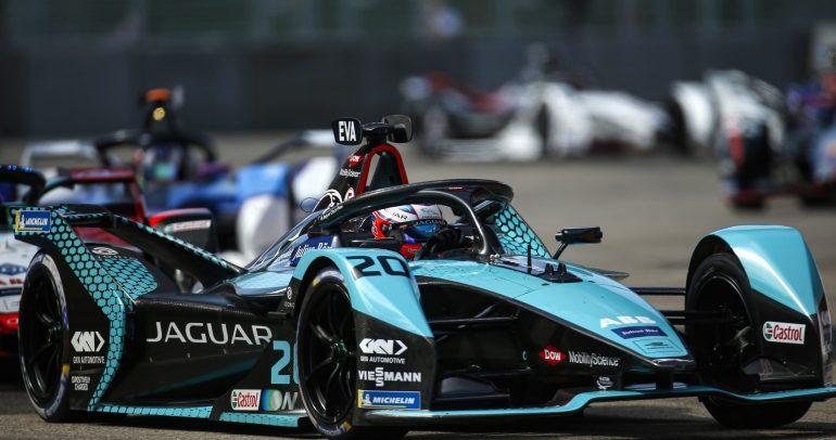 """ميتش إيفانز يحقق خامس تتويجاته مع """"جاكوار للسباقات"""" في بطولة الفورمولا إي"""