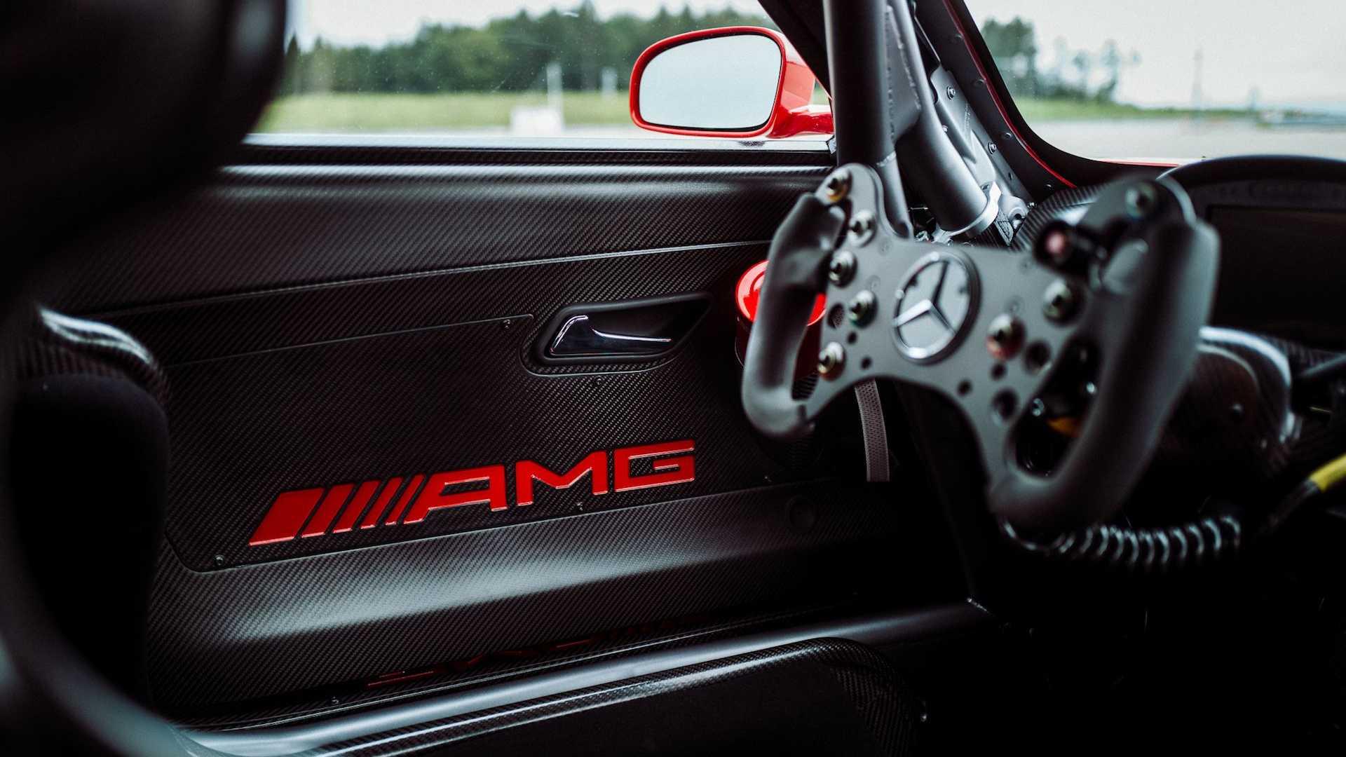 مرسيدس AMG - ريد بيج