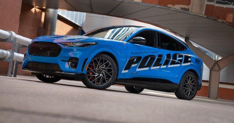 فورد موستانج ماك إي تستعد للاختبار كسيارة شرطة مستقبلية