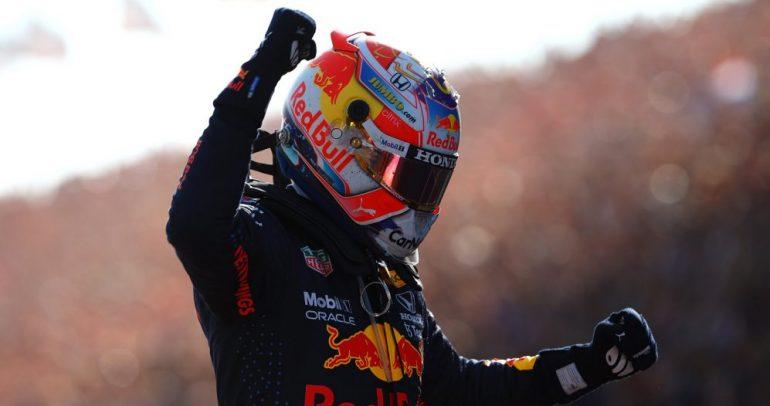 ماكس فيرستابن يعود إلى صدارة ترتيب السائقين بفوزه في سباق الجائزة الكبرى الهولندي